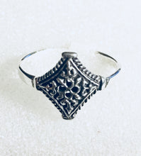 Diamond shape Vintage Silver Ring