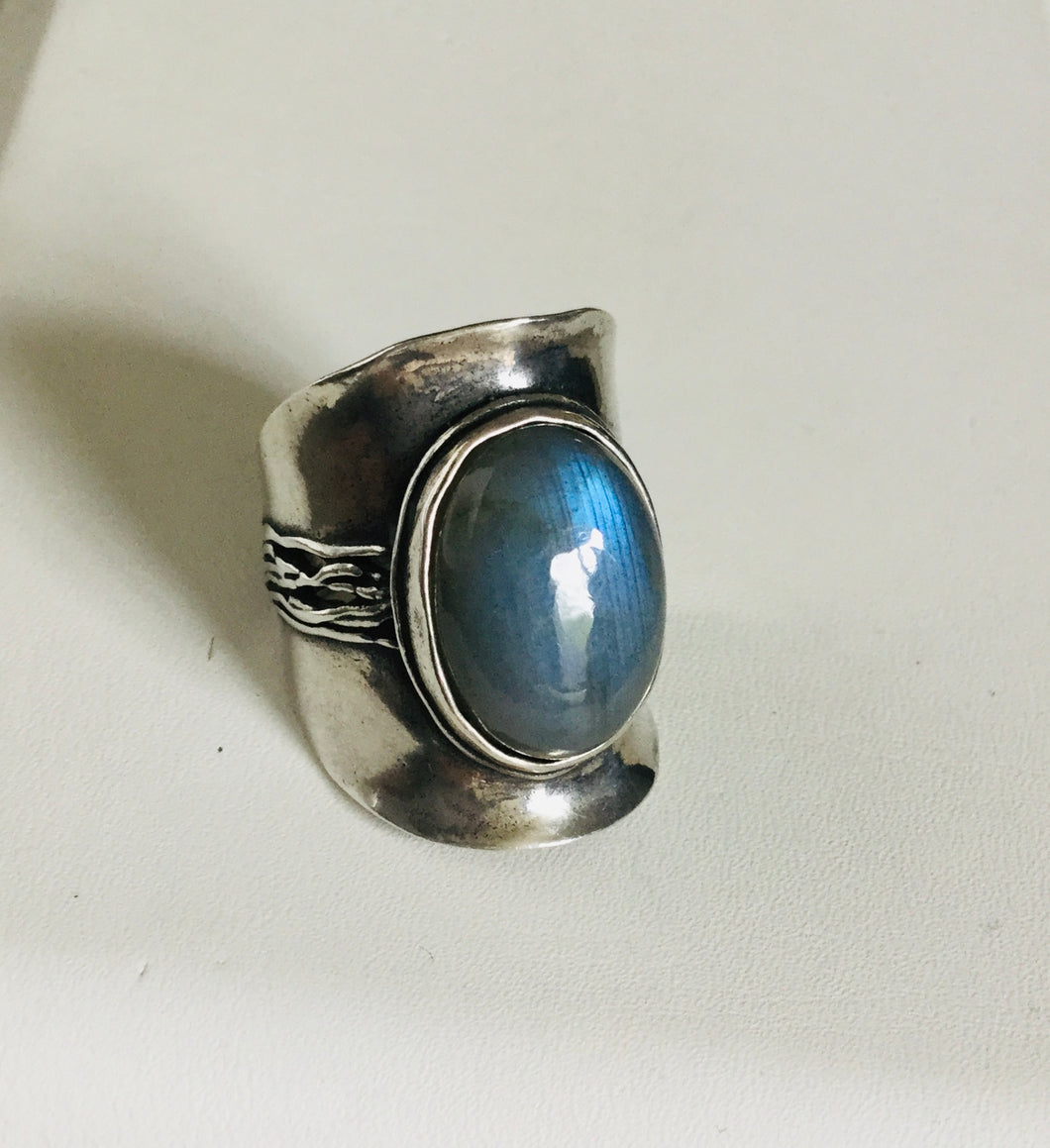 Saddle shape Shield Labradorite Silver  Ring