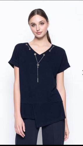 Short Sleeve V Neck Top / Chain