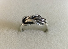 Large knot Ring
