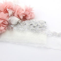SILVER SEQUIN SCALLOPED EGDE LACE TRIM X 1 METRE