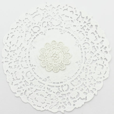 IVORY EMBROIDERED FLOWER X 4