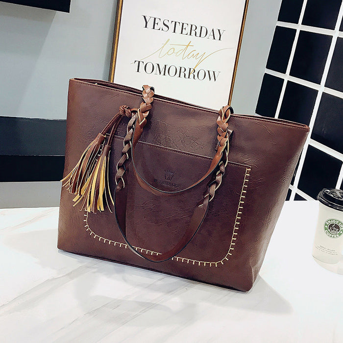 ... 2018 Large Capacity Women Bags Shoulder Tote Bags bolsos New Women  Messenger Bags With Tassel Famous ... 6b145dc0352a1