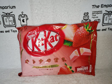 strawberry  flavor  kitkat  kit kat japanese snacks sweet