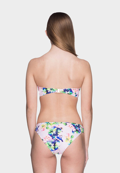 Fiji Paradise Brief