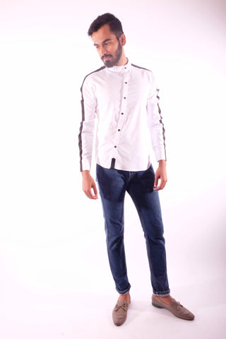 Detailed white diagonal button shirt