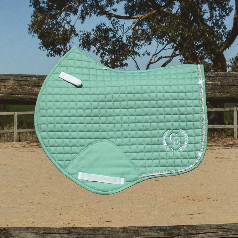 Caboose Equestrian Signature Close Contact Jump Pad | MINT