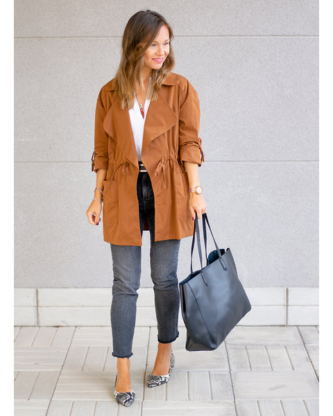trench marron mujer