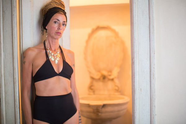 zero waste bikini top w multi option straps - black - made in Italy for surfing - Villa Como - marta bellu photography