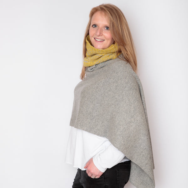 yellow and grey chunky knit snood