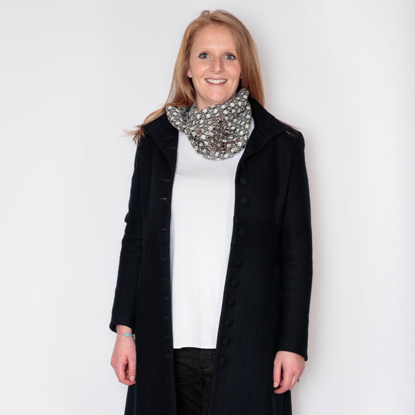 snood charcoal and white with gunmetal bling