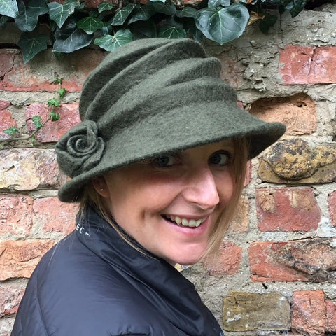 Felted hat - moss green