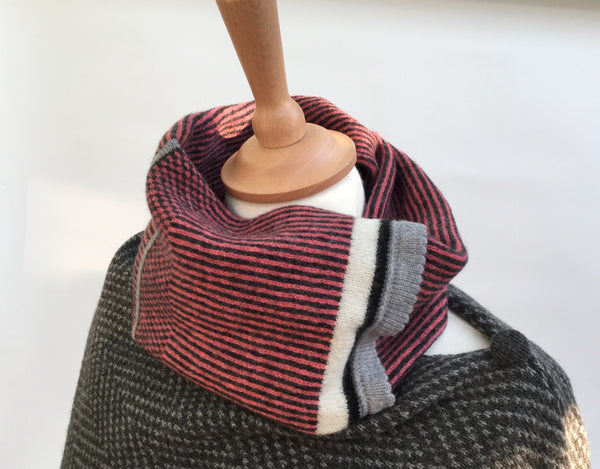 Lambswool Bullfinch Neck Snood