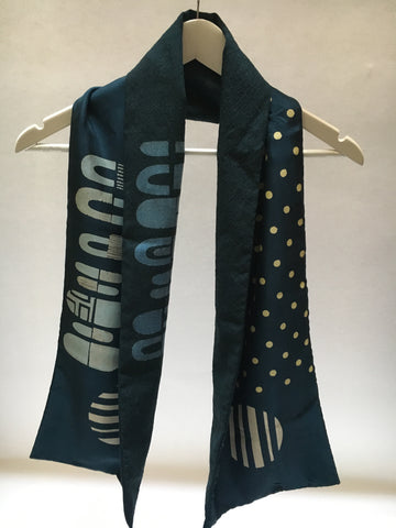 Wool and Silk scarf - navy