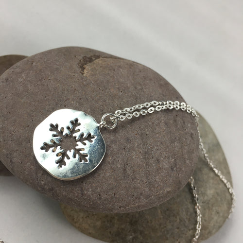 Silver Plated Snowflake Necklace Pendant, jewelry - Whaleycorn.com