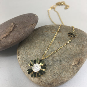 Daisy Necklace, jewelry - Whaleycorn.com