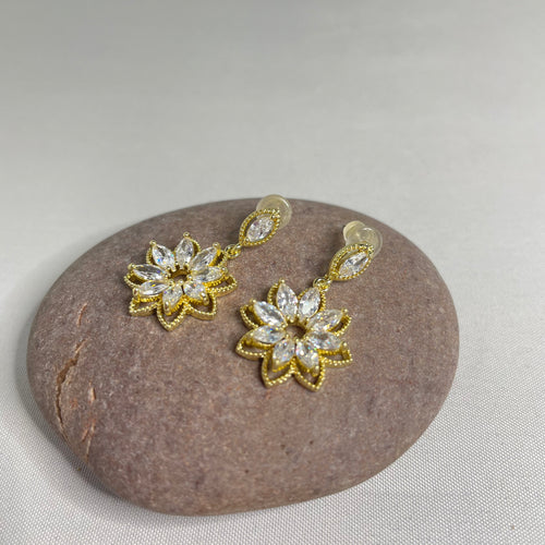 Sparkly Dangle Flower Earrings - Whaleycorn.com