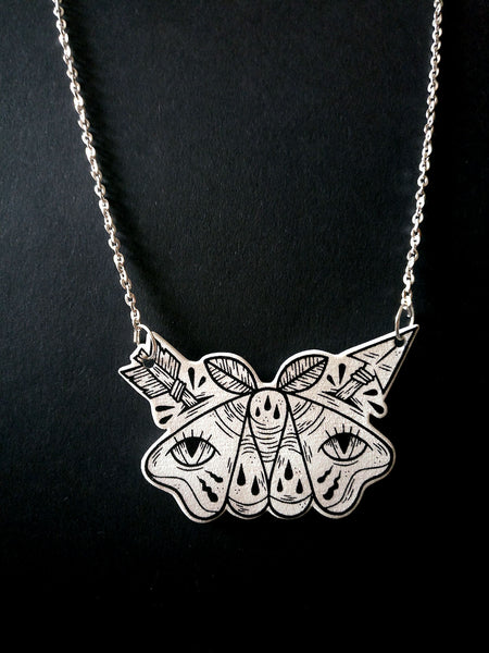 Nattfly Necklace