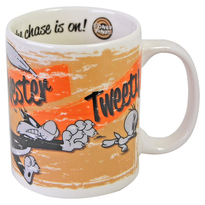 Looney Tunes (Granny Sylvester Tweety Chase) Mug - Boxed
