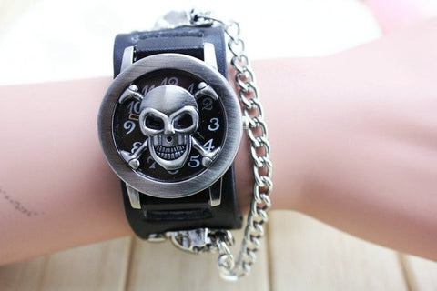 Stainless Steel Skull Case Black Leather Band Men's Punk Style Wristwatch