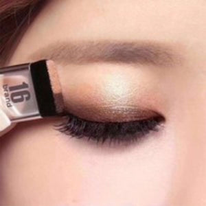 Sundaypop™ Women Makeup 3 Seconds Eyeshadow Makeup Double Layer Coloured Gradation Cosmetic Brush