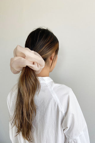 Oversized scrunchie | Peach champagne L