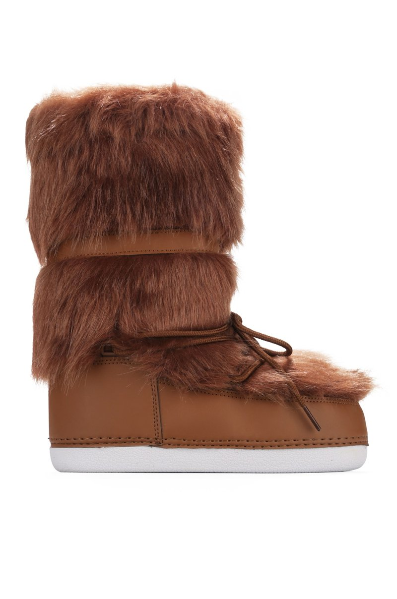 Cape Robbin Lava Tan Lace up Fur Moon Boots