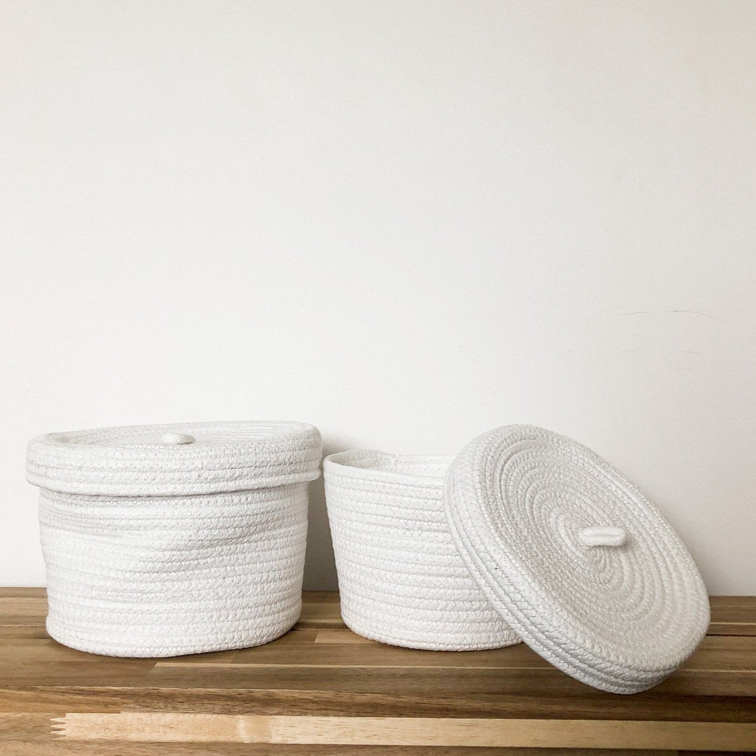 Set of 2 White Recycled Lidded Basket