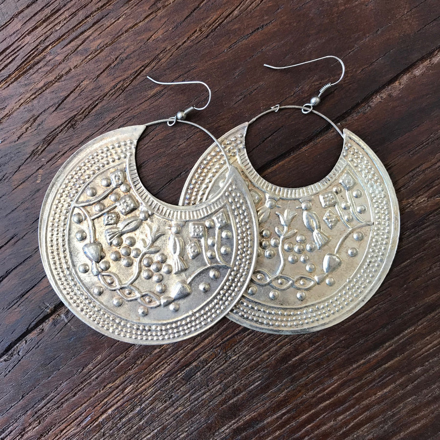 Saengdaw Crescent Earrings