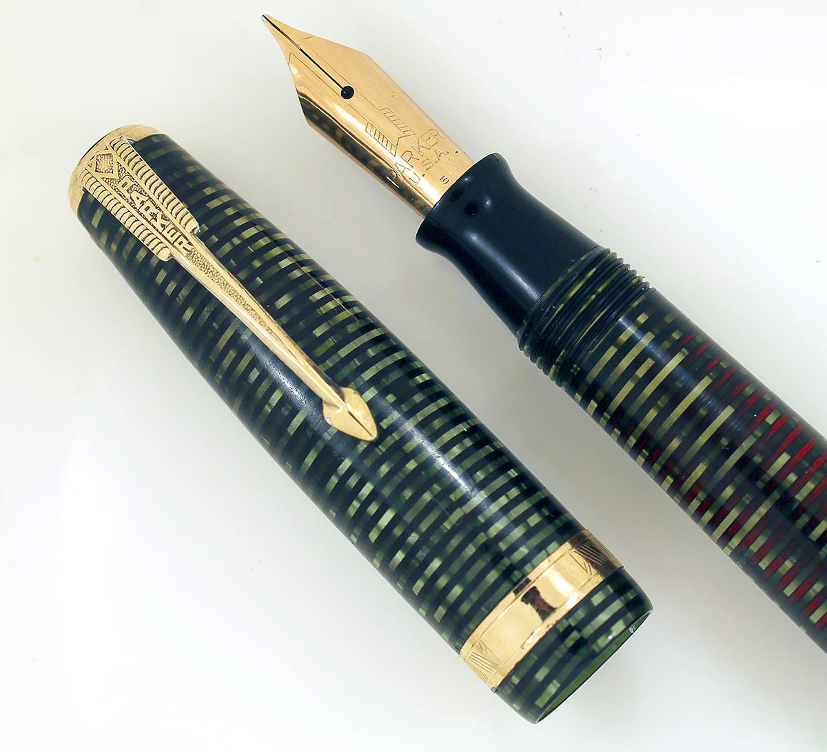 RESTORED 1945 PARKER EMERALD PEARL VACUMATIC MAJOR FOUNTAIN PEN WITH F to BB FLEX NIB