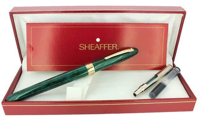 C1996 SHEAFFER CREST EMERALD GREEN LAQUE 18K M NIB FOUNTAIN PEN NEVER INKED OFFERED BY ANTIQUE DIGGER