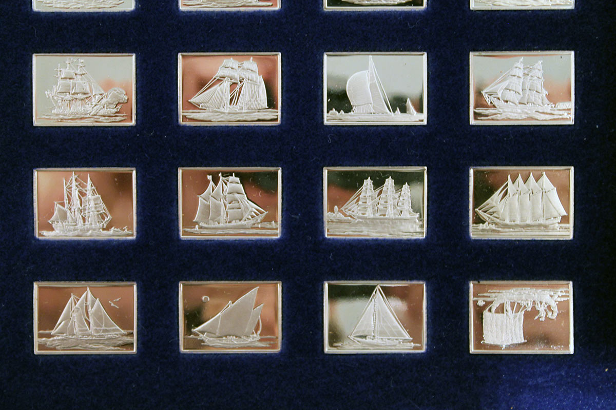 STERLING SILVER FRANKLIN MINT GREAT SAILING SHIPS OF THE SEA 50 INGOT SET WITH PRESENTATION DISPLAY OFFERED BY ANTIQUE DIGGER