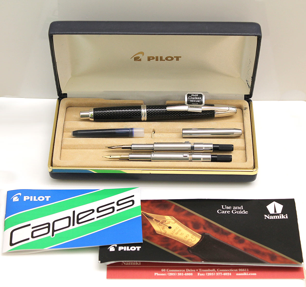 PILOT NAMIKI CARBONESQUE VANISHING POINT FOUNTAIN PEN WITH TWO NIBS MEDIUM / BROAD WITH PAPERS AND BOX OFFERED BY ANTIQUE DIGGER