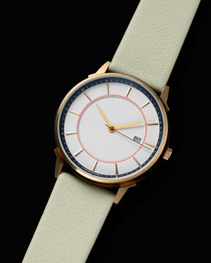 LW061-Gold.White/Red.Mint