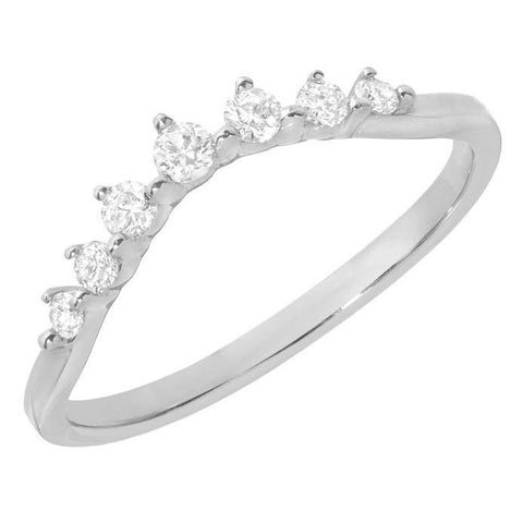 curved-diamond-band-wedding-style