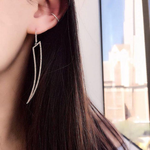 jewelry-trends-earring-cuffs-minimalist