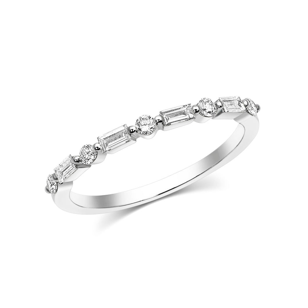 Baguette Single Shared Prong Ring - Rings