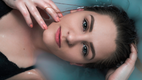 4 Benefits Of Having Early Morning Baths