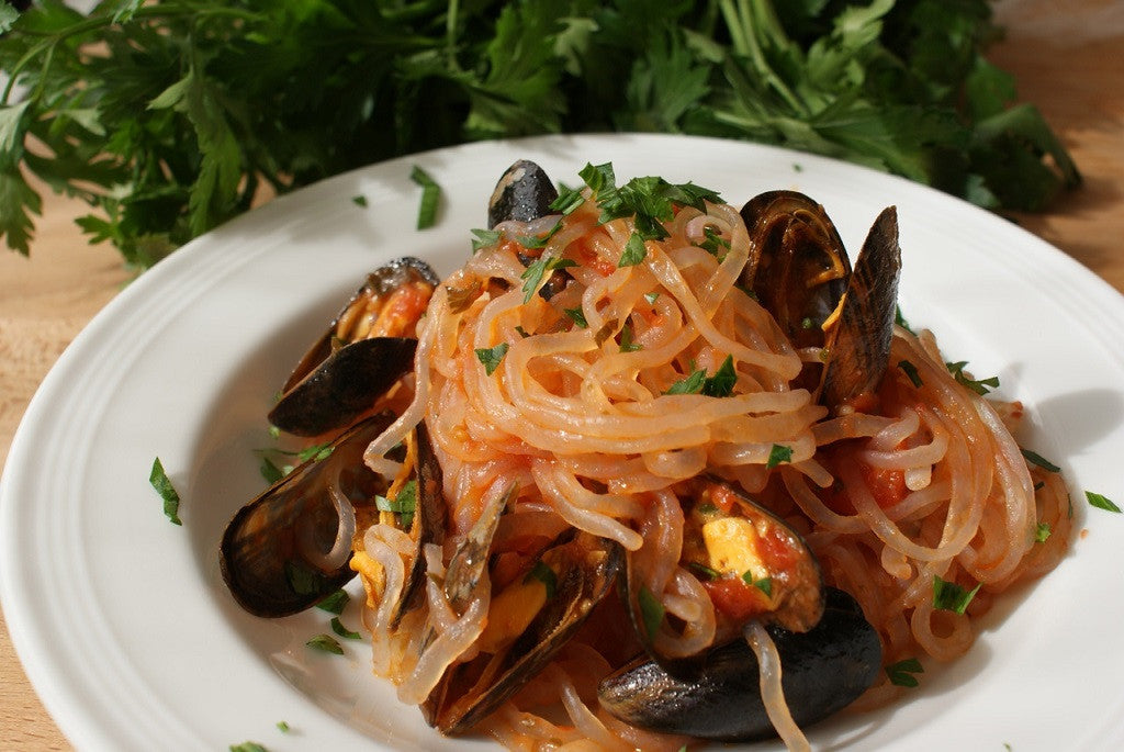 Shirataki with mussels and cherry tomatoes