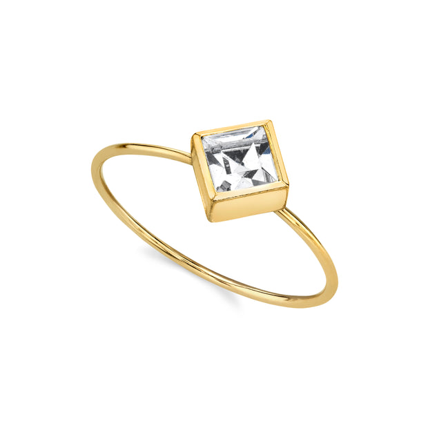 14K Gold Dipped Diamond Shaped Crystal Dainty Ring Size 7