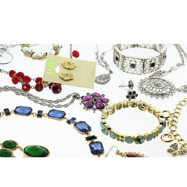 $ 50.00 Value Assorted Package Ein Ohrring, eine Halskette und ein Ring