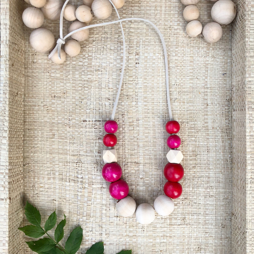 Back in School fuchsia necklace