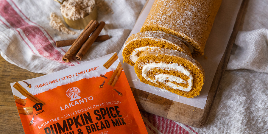 Low-carb Spiced Pumpkin Cream Cheese Roll