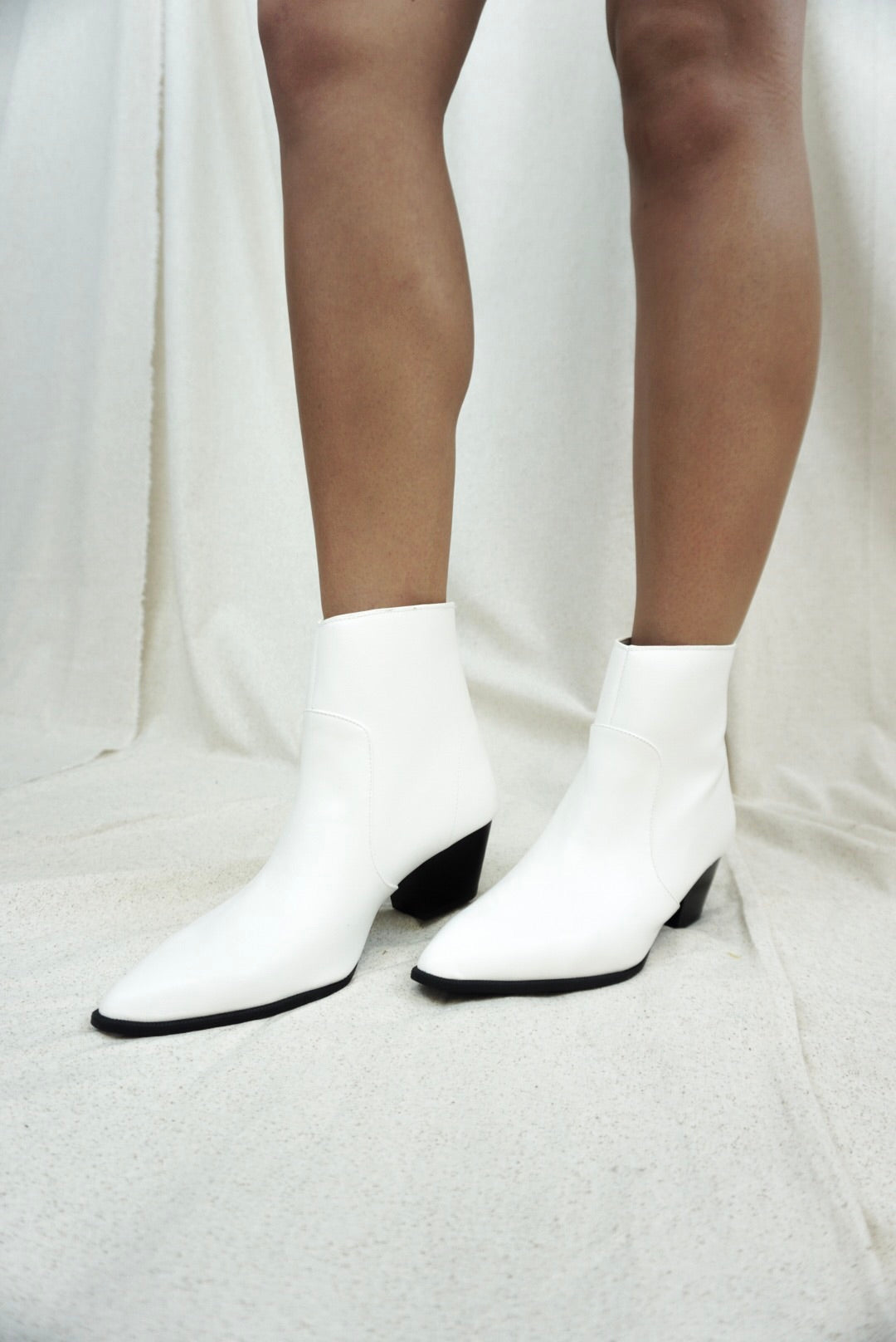 White Pointed Toe Booties – SIMPLE SOUL