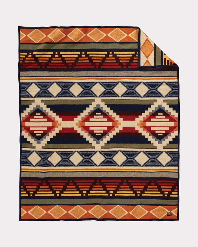 Cedar Mountain Jacquard Blanket (Robe)