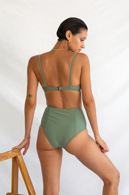 Simone Retro Top Sage
