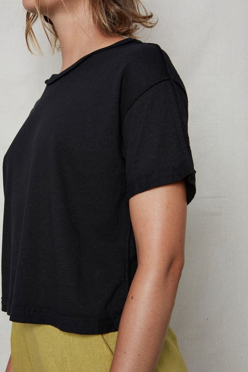 Inside Out Crop Tee Black