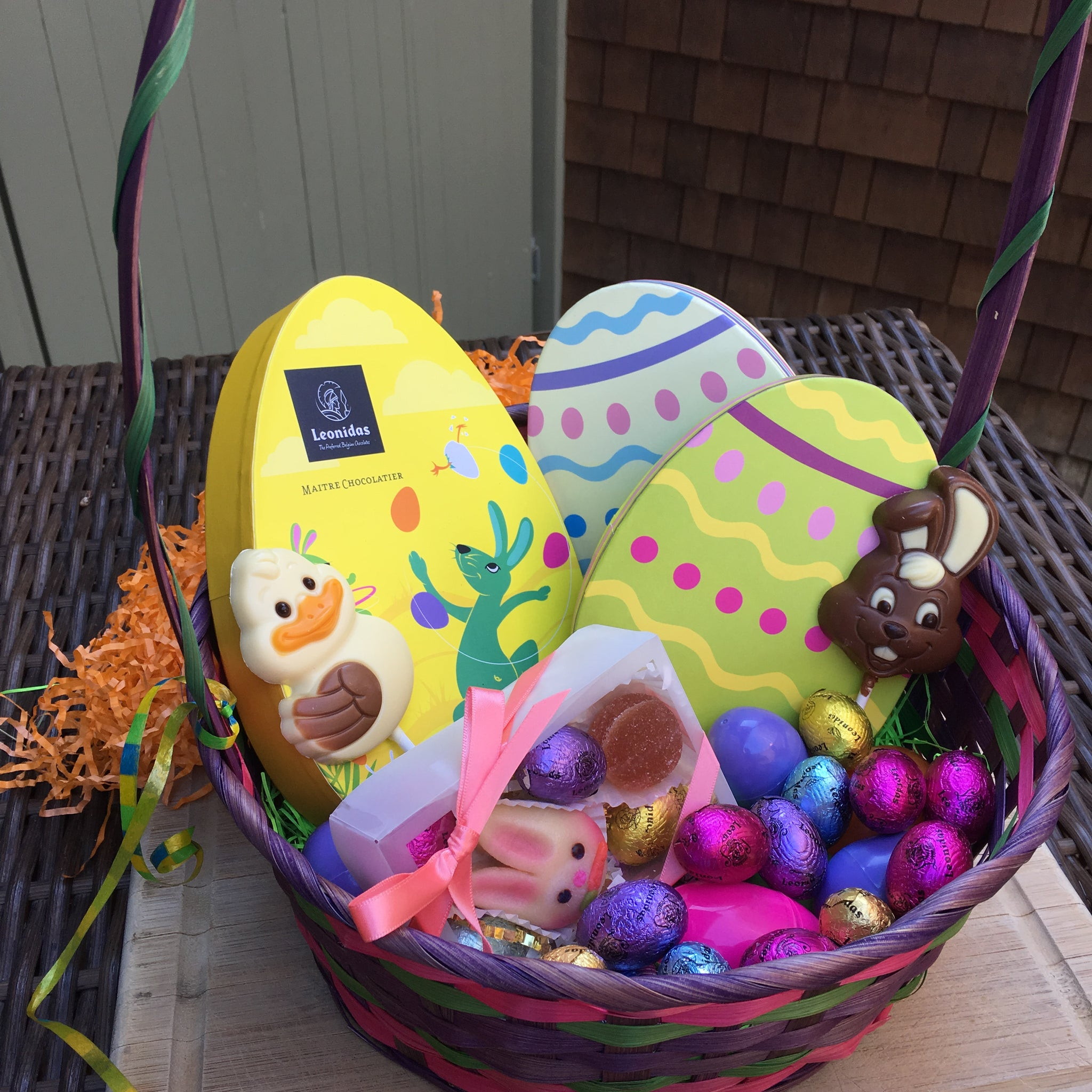 Leonidas Easter themed basket