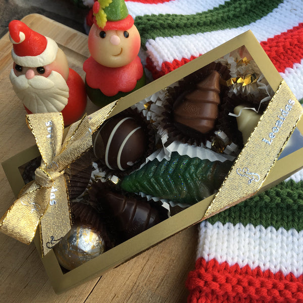 Christmas Themed Gift Box - 8 Piece