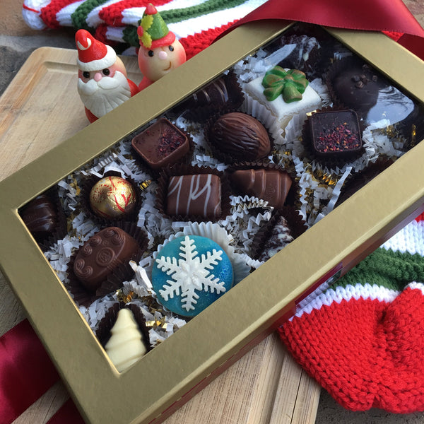 Christmas Themed Gift Box - 19 Piece